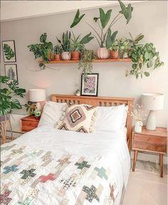 Apartment Decorating For Couples, Rental Decorating, Decorating Your Home, Interior Decorating, Guest Bedroom Office, Bedroom Green, Dream Rooms, Dream Bedroom, Beautiful Bedrooms