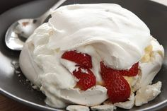 The finished product .. Rob Kabboord's pavlova.