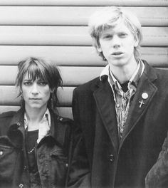 Thurston Moore e Kim Gordon (Sonic Youth) Kim Gordon, Love Band, Thing 1, Kim Deal, Bruce Springsteen, Post Punk, Music Stuff, Music Bands, Mixtape