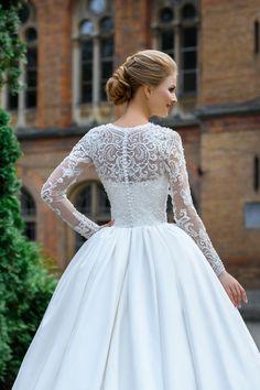 Stunning Wedding Dresses, Princess Wedding Dresses, Dream Wedding Dresses, Bridal Dresses, Wedding Gowns, Bridal Corset, Weeding Dress, Lace Weddings, Mode Outfits