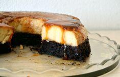Κέικ σοκολάτας με κρέμα καραμελέ (VIDEO) - cretangastronomy.gr Caramel Ingredients, Cake Ingredients, Cookie Recipes, Dessert Recipes, Desserts, Greek Sweets, Creme Caramel, Chocolate Sweets, Yummy Cakes