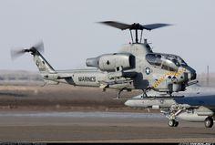 "Bell AH-1W Super Cobra  На пилоне ""Стингер""."
