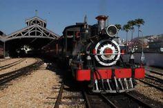 Apesar de muitas pessoas não imaginarem, no Brasil também é possível viajar de trem e pode ser uma experiência que surpreendente a todos viajantes. Isso porque temos a possibilidade de viajar desde uma Maria Fumaça antiga até trens mais modernos e confortáveis. Confira cincotrechos ferroviários turísticos do Brasil: São João del Rei (MG)
