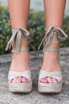 Who might doesn't absolutely adore attractive wedges?, look at our amazing variety of zip-back and belt wedges for each time! Sock Shoes, Cute Shoes, Me Too Shoes, Shoe Boots, Dream Shoes, Crazy Shoes, Wedge Shoes, Shoes Sandals, Flat Shoes