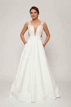bridal dress,bridal dress with pockets, bridal ivory dress, bridal lace hand-sewn dress bridal lace hand-sewn dress, bridal princess dress, bridal sleeveless dress,bridal v-neck dress, embroidered wedding dress, ivory dress, wedding dress, ivory wedding dress,sleeveless wedding dress, simple wedding dress, wedding dress in trends, princess wedding dress, wedding dress with pockets