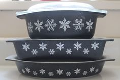 matte black snowflake pyrex. MEB's note: there are a number of pyrex snowflake bowls that I love and this is one of them.