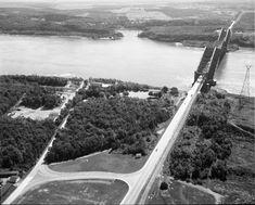 Quebec Montreal, Montreal Ville, Quebec City, Chute Montmorency, Chateau Frontenac, Le Petit Champlain, Lac Saint Jean, Canada Eh, Archives Nationales