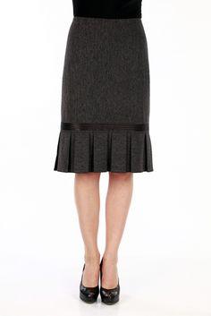 Midi Skirt Outfit, Skirt Outfits, Dress Skirt, Work Skirts, Cute Skirts, Hijab Fashion, Fashion Outfits, Womens Fashion, Trendy Dresses