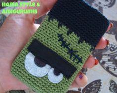 "Crochet Phone Cover Mobile cover ""Frankie"" Pattern in Spanish by Marta Ruso - Crochet Pouch, Crochet Hook Set, Love Crochet, Crochet Gifts, Learn To Crochet, Beautiful Crochet, Diy Crochet, Single Crochet, Crochet Classes"