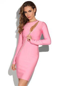 Optez pour une robe de jour féminine et stylée en shoppant cette sublime robe manche longue rose. En plus, cette robe rose se transforme aisément en une robe de soirée chic et glamour grâce à sa fermeture éclair qui peut dévoiler votre décolleté.
