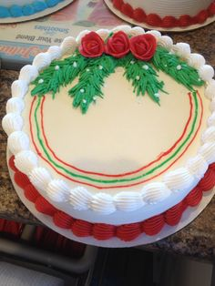DQ cakes...Dairy Queen Christmas Red Roses Christmas Cake Decorations, Christmas Cupcakes, Christmas Sweets, Holiday Cakes, Christmas Goodies, Holiday Baking, Christmas Baking, Buttercream Cake Designs, Frosting
