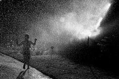Fábio Costa - Portfolio - Street Photographers - The art of street photography Photography Projects, Outdoor Photography, Ghostface Killah, Street Photographers, Dancing In The Rain, Rainy Days, Life Is Beautiful, Northern Lights, Community