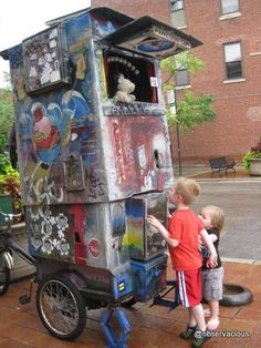 Chicago Puppet Bike - Chicago Puppet Bike --- #Theaterkompass #Theater #Theatre… Puppet Costume, Marionette Puppet, Glove Puppets, Shadow Puppets, Puppetry Theatre, Chicago Hot Dog, Punch And Judy, Toy Theatre, Puppet Making