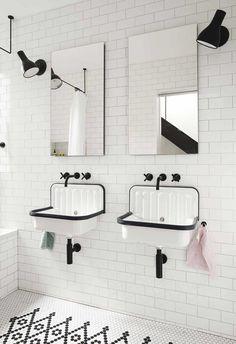 Bathroom shower design - Little House Big City by Office of Architecture Bathroom Tub Shower, Tiny House Bathroom, Master Bathroom, Trough Sink Bathroom, Bathroom Black, Travertine Bathroom, Tub Tile, Bathroom Bin, White Bathrooms
