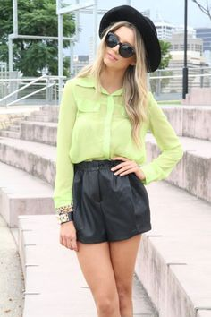 pretty dresses in the laundry: leather shorts Passion For Fashion, Love Fashion, Fashion Beauty, Fashion Outfits, Pantone, Sabo Skirt, Outfit Goals, Playing Dress Up, Dress Me Up