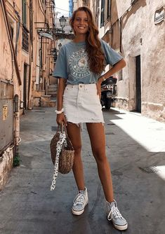 - home accessoriesUntitledvsco outfit - sam lead - summer. - stay outfit sam VSCO - some . - stay outfit sam VSCO - some . White Denim Skirt, Denim Skirt Outfit Summer, Jean Skirt Outfits, Denim Skirts, Jean Skirts, T Shirt Outfits, Best Outfits, Rock Outfits, Skort Outfit