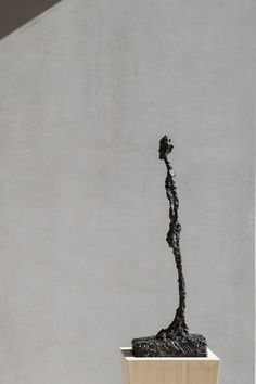 Alberto Giacometti (1901 – 1966), Femme debout 1957, Bronze, Height: 71 cm, Image courtesy V-A-C collection