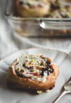 Cranberry, Dark Chocolate & Pistachio Cinnamon Rolls // butterlustblog.com