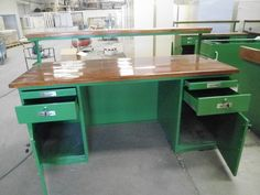 workbench with electrical support with shelf
