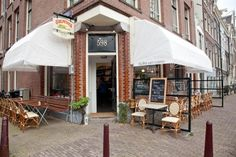 Delicious food and drinks all day long next to the canals @ Buffet van Odette Organic Recipes, Restaurant Bar, Really Cool Stuff, Holland, Amsterdam, Terrace, The Good Place, Gazebo, Buffet