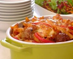 If your children enjoy meatballs they will be sure to love this interesting take on them ‐ a baked pasta dish with meatballs in a tomato sauce! Baked Pasta Recipes, Mince Recipes, Meatball Recipes, Baking Recipes, Yummy Recipes, Pasta Casserole, Pasta Bake, Mozzarella Pasta, Cheap Meals