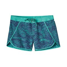 """The quintessential board short for women: the Patagonia Women's Wavefarer® Board Shorts (5"""") offers 50+ UPF sun protection for long days in the water."""