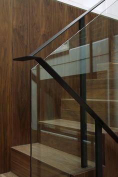 Manchmal eine Selbstverständlichkeit, eine Treppe ist nicht nur eine Verbindung zwischen zwei Etagen — es ist eine große architektonische Funktion, …
