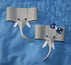 Elephant Ribbon Sculpture Hair Clip - For Alabama fans you could swap out the blue bow with a houndstooth bow or a crimson and white polka dot bow. Ribbon Hair Clips, Hair Ribbons, Ribbon Art, Diy Hair Bows, Ribbon Crafts, Ribbon Bows, Paper Crafts, Ribbon Sculpture, Cute Elephant