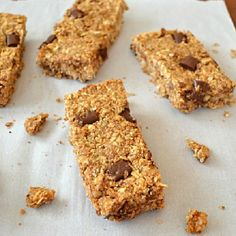 Start your day off right with these soft and chewy granola bars jam-packed with lots of whole grains, peanut butter, and chocolate chips.