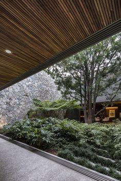 Gallery of VR House / Alexanderson Arquitectos - 10 Landscape Plans, Landscape Architecture, Interior Architecture, Landscape Design, Modern Landscaping, Backyard Landscaping, Interior Garden, Interior And Exterior, Patio Design