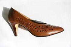 Vintage Leather Flower Cut Out Heels / Womens US 8 / EUR 39 by MallardVintage, $30.00