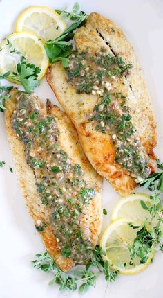 mediterranean recipes This pan fried sea bass with lemon garlic herb sauce is packed with flavor from fresh herbs. It's a delicious 20 minute Mediterranean recipe that's perfect Herb Recipes, Seafood Recipes, Cooking Recipes, Healthy Recipes, Italian Fish Recipes, Lemon Fish, Fish Dishes, Mediterranean Recipes, Kraut