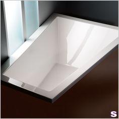 Eck-Badewanne Bordo - SEBASTIAN e.K. – Ausdrucksstark. –  Als Designhöhepunkt gilt bei dieser besonderen Badewanne der markante Rand, der praktischer Weise auch als Ablage benutzt werden kann. #badezimmer #badewanne #design