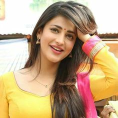 Shruti hasan mast wallpapers About Shruti Hassan: Shruti Haasan is an Indian film actress, singer and musician known for her works. Beautiful Girl Indian, Beautiful Indian Actress, Beautiful Actresses, Beautiful Models, Beautiful Bride, South Actress, South Indian Actress, Indian Film Actress, Indian Actresses
