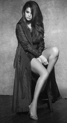 Selena Gomez Selena Gomez, Women Legs, Sexy Women, Payton List, Celebs, Celebrities, Disney Girls, Celebrity Style, Pin Up