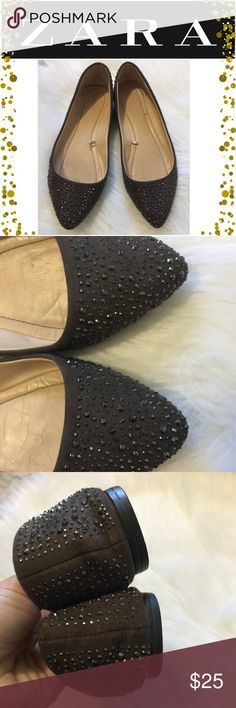 Zara flats Dark grey Zara flats in Preowned condition. Worn a few times. Size 39 but run as size 7.5 Zara Shoes Flats & Loafers