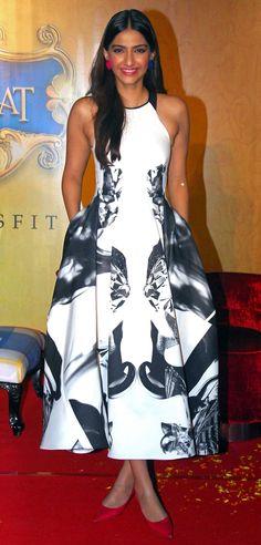 #Bollywood Meet Sonam Kapoor, the Ultraglamorous Style Star Straight From Bollywood