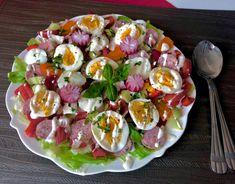 Wielkanocna sałatka z białą kiełbasą i sosem chrzanowym - Blog z apetytem Caprese Salad, Cobb Salad, Potato Salad, Food To Make, Sushi, Keto Recipes, Food And Drink, Eggs, Breakfast