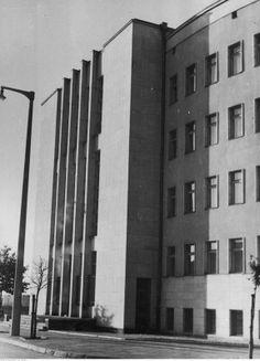 Budynek Sądu Rejonowego aprojektowany przez Z. Karpińskiego, T. Sieczkowskiego i R. Sołtyńskiego, zbudowany w 1936 r.