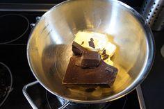 Der weltbeste Schokoladen - Blechkuchen von MissDynamite | Chefkoch Kitchen Aid Mixer, Kitchen Appliances, Wok, Sweets, Desserts, Baking, Strawberry Pie, Popular Recipes, Strawberries