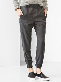 The trousers for women from Gap are always on-trend and will be your go-to  pieces. Shop ladies trousers in crop, boot cut, skinny, straight, ... ba64375a09