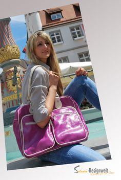 Tasche aus unserem Store mit Ella vom DU & ICH Modelteam der Soleana-Designwelt