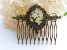 Baroque hair comb in bronze with Silhoutte lady and pigeons | Meylah