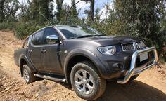 Mitsubishi Triton 2012 là một trong những mẫu xe bán tải phong cách SUV tiện dụng trên phố đáng được mọi người cân nhắc