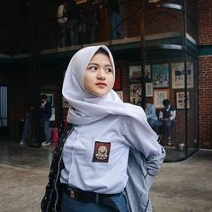 Don't forget to like!and suport my acount! Casual Hijab Outfit, Hijab Chic, Casual Jumpsuit, Beautiful Hijab Girl, Hijab Style Tutorial, Hijab Fashionista, Indian Bollywood Actress, Indonesian Girls, Cute Korean Girl