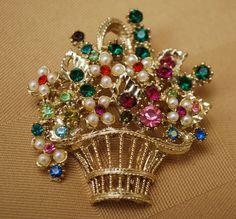 Vintage 1980's Rhinestone flower basket brooch