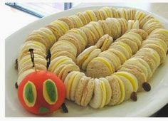 Very Hungry Caterpillar Food Cute Food, Good Food, Hungry Caterpillar Food, Fingerfood Party, Food Humor, Cooking With Kids, Party Snacks, Creative Food, Kid Lunches