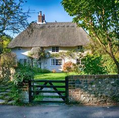 Thatched cottage in Bosham, West Sussex.