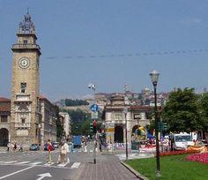 Porta Nuova and the Memorial Tower in the Lower City, #Bergamo, Italy --- Porta Nuova e la Torre dei Caduti in #CittàBassa, #Bergamo