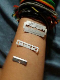 I use sharpeners. Emo Cut, Psycho Girl, Sad Life, Depression Quotes, It Hurts, Blood, Deep Quotes, Feelings, Sadness